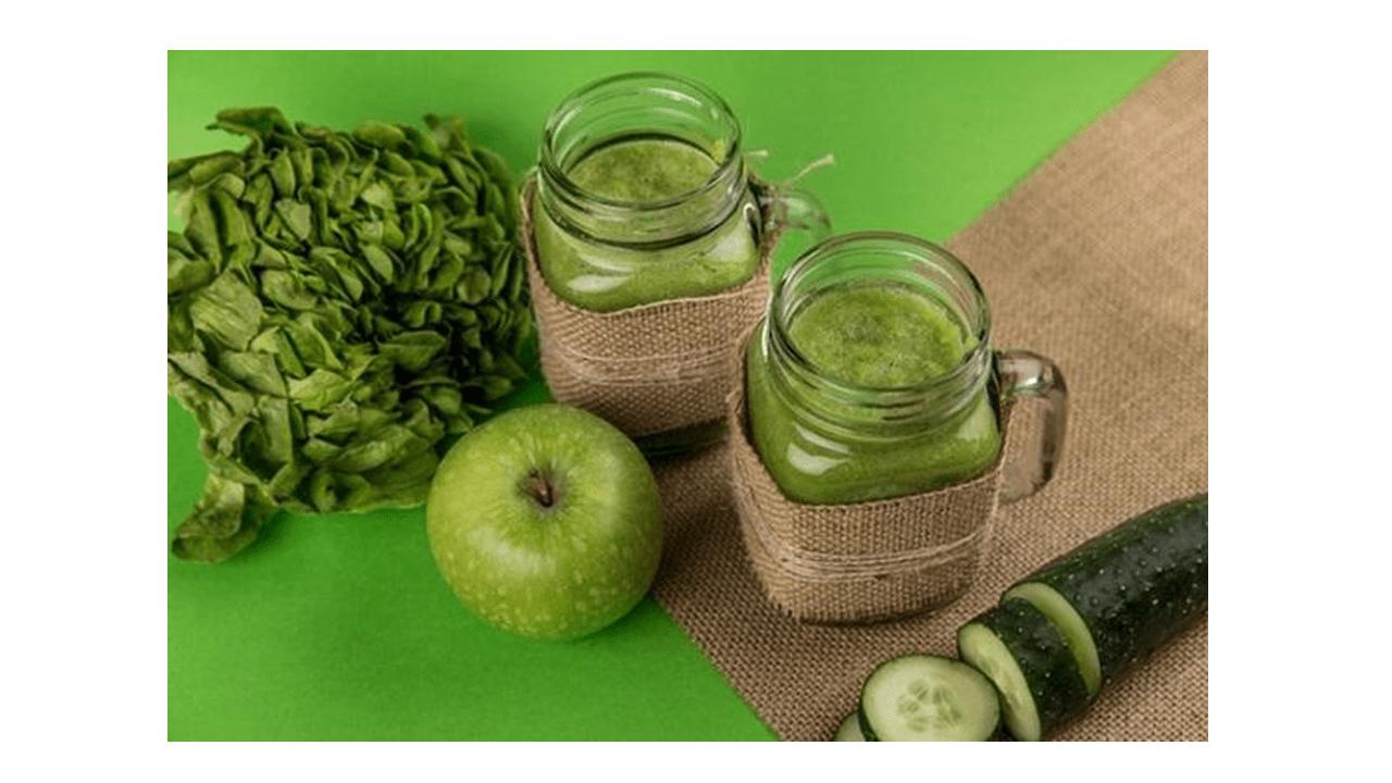 Succo di disintossicazione verde con il Bimby